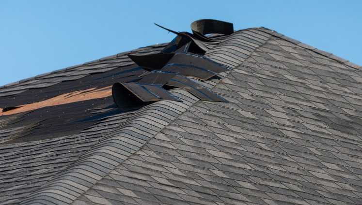 Prevent Denver Roof Wind Damage with the New Wind-Resistant Synthetic Shingle